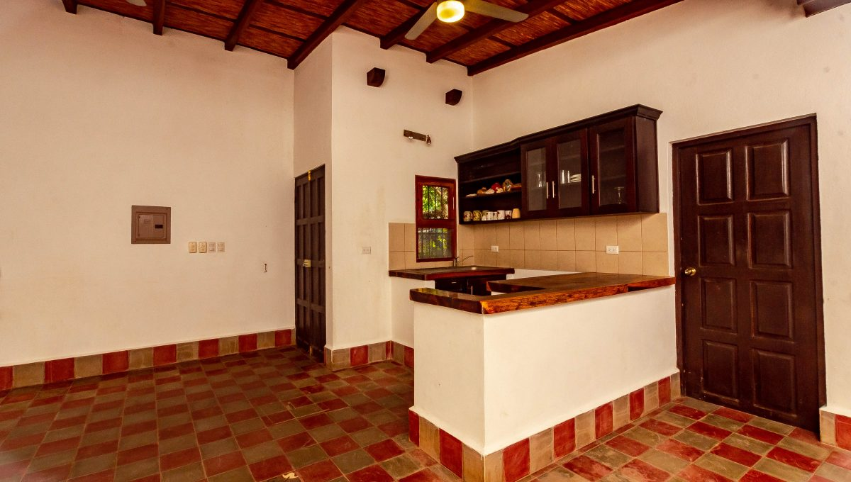 house-for-sale-granada-nicaragua-2