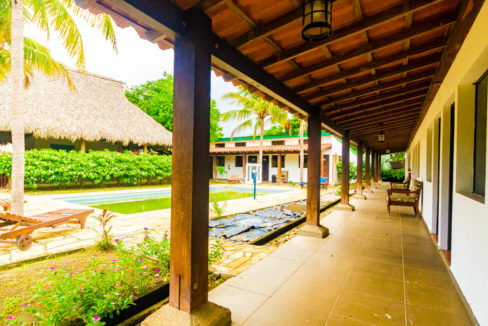 Hotel for sale at Gigante Beach (2)