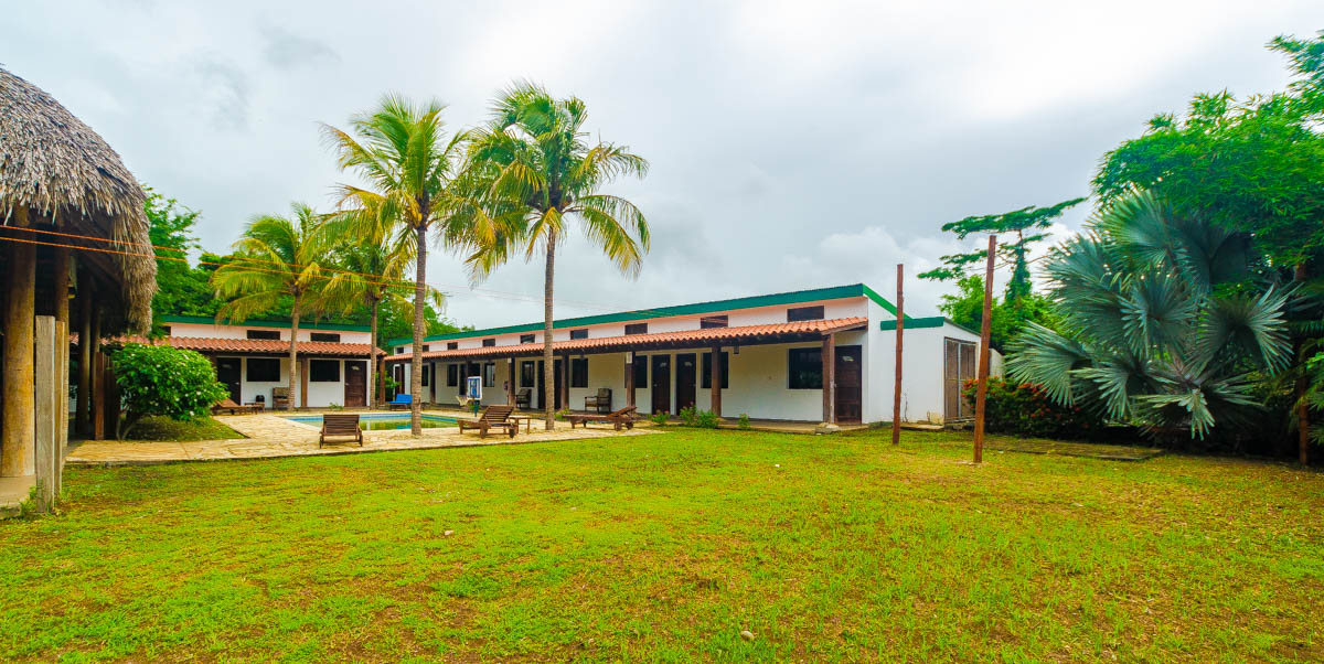 Hotel for sale at Gigante Beach (3)