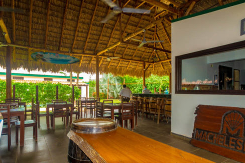 Hotel for sale at Gigante Beach (7)