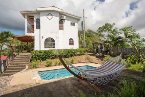 MADERAS SURF HOUSE OCEAN VIEW_POOL 02