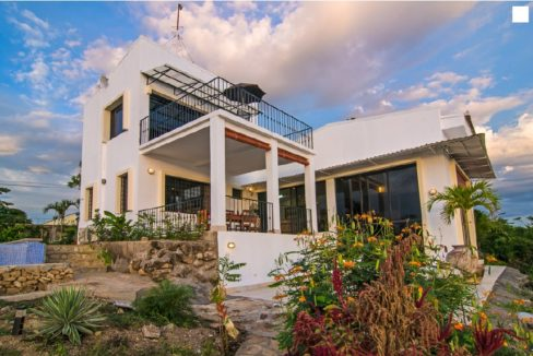 2011-Beach home for sale-Ocean front property in Nicaragua (12)