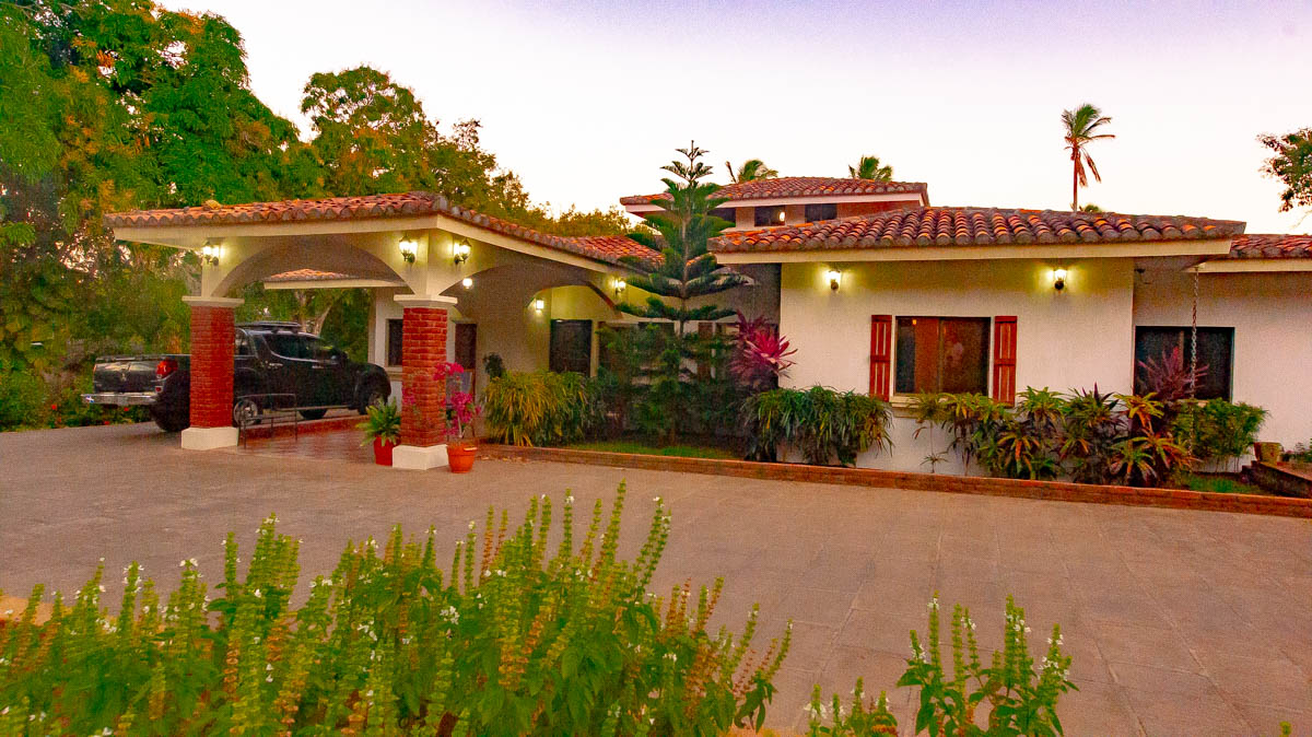 2298-Country home for sale Nicaragua property real estate (37)